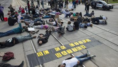 صورة صرخة ضد العنصرية وعنف الشرطة في أنحاء العالم