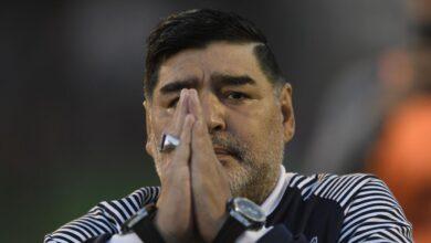 صورة الموت يغيب أسطورة كرة القدم  الأرجنتيني مارادونا