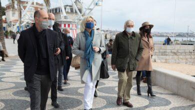 صورة شاهد: لوبين تقترح قانونا لحظر الحجاب في الأماكن العامة في فرنسا