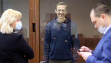 صورة إدارة بايدن تفرض عقوبات على مسؤولين روس على خلفية تسميم المعارض نافالني