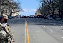 صورة شاهد: مقتل شرطي وسائق سيارة صدمت شرطيين قرب الكابيتول
