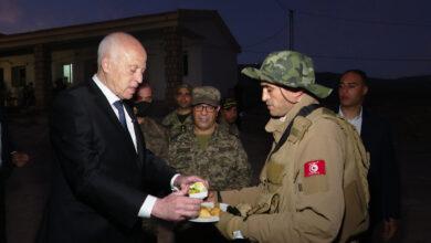 صورة الرئيس التونسي يحذر من خطر تقسيم تونس من الداخل