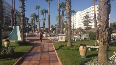 صورة تمديد ساعات حظر التجول الليلي في تونس عقب ارتفاع قياسي في الإصابات بكورونا