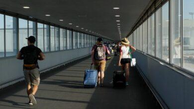 صورة إسبانيا تفرض الحجر الصحي على السياح من 4 دول