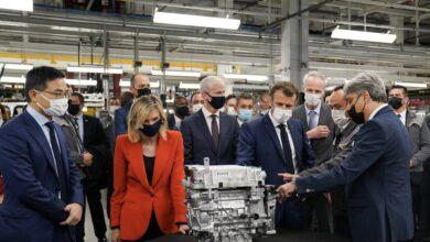 صورة الرئيس الفرنسي إيمانويل ماكرون يغير رقم هاتفه بسبب قضية بيغاسوس