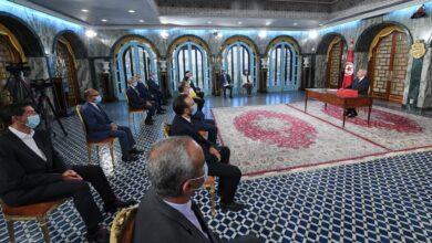 صورة الرئيس التونسي يستشهد بآية ليست من القرآن ويثير ضجة كبيرة