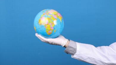 صورة وفيات كورونا تقترب من 5 ملايين في العالم