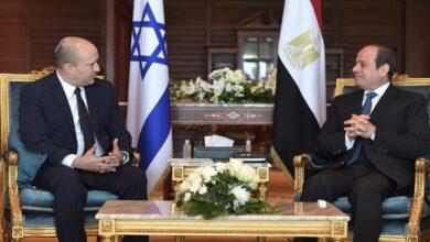 صورة شاهد: لقاء تاريخي يجمع السيسي برئيس الوزراء الإسرائيلي في شرم الشيخ